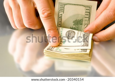 counting. money with hands