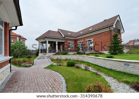 country house #314390678