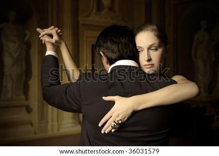 couple dancing a tango