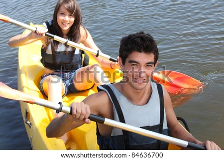 couple on kayak
