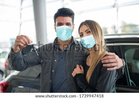 Couple searching for a new car during coronavirus pandemic