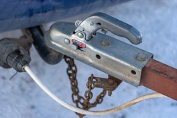 Coupling device or towing device for attaching a trailer to a vehicle. Selective focus