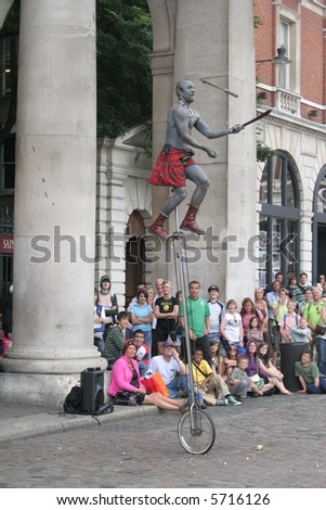 covent garden street shows Street performer