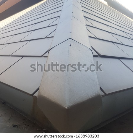 Covering the roof, covering the hip and covering the hip