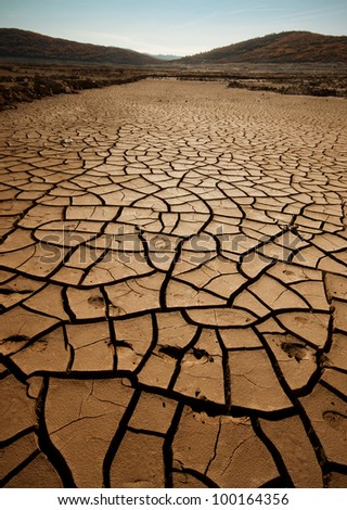 Cracked and dried soil, effect of global warming