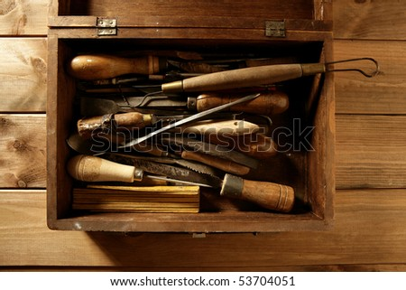 craftsman carpenter hand tools artist craftsmanship