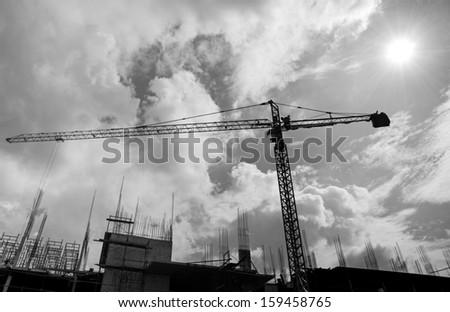 Crane construction - Black and white