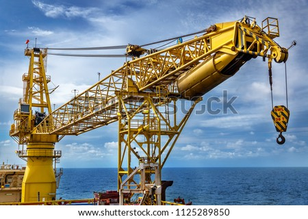 Crane, Pedestal crane winch, Steel wire rope on production platform, Energy and petroleum industry