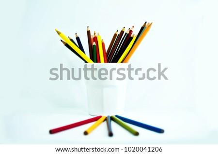 crayon , crayon background ,pencil #1020041206