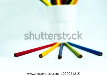 crayon , crayon background ,pencil #1020041215