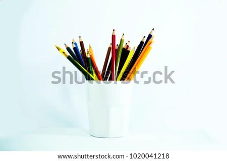 crayon , crayon background ,pencil #1020041218
