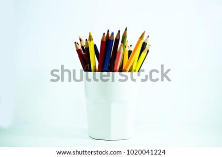 crayon , crayon background ,pencil #1020041224