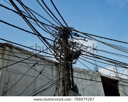 Wondrous Crazy Haphazard Dangerous Electrical Wiring And Cable Post In New Wiring 101 Ferenstreekradiomeanderfmnl