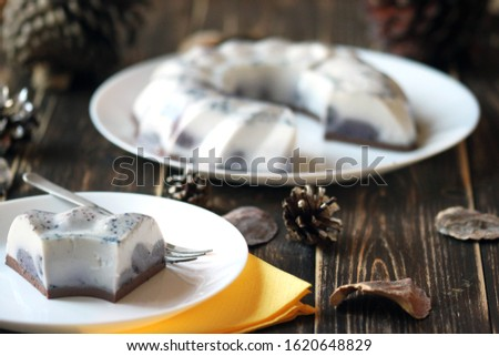 Cream cake. Jelly cake. Milk cake.