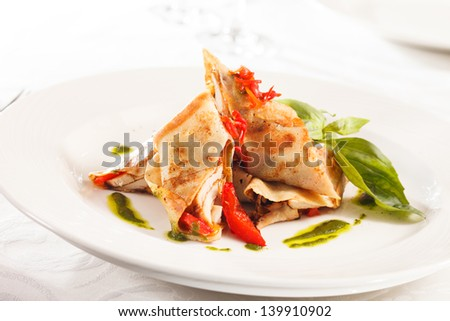 crepes with chicken and vegetables