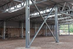 Cross bracing of steel structure