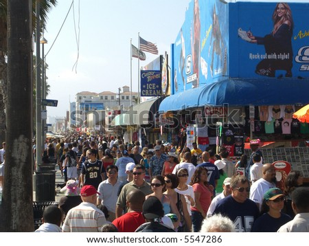 Crowd of people at Venice Beach shops
