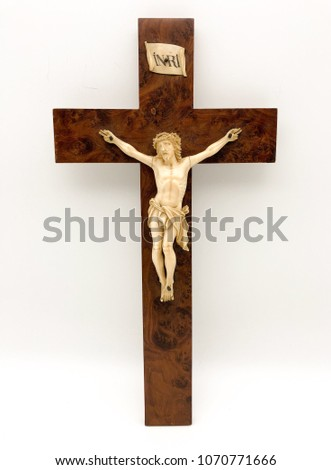 Crucifix with Christ in ivory and ebony cross. 18th Century.