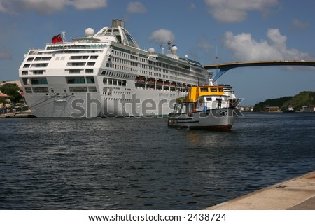 Cruise ship and tour boat in curacao
