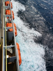 cruiseship ocean waves sea boat