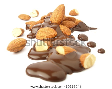 Crunchy almonds and chocolate sauce