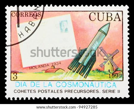 CUBA - CIRCA 1989: stamp printed in Cuba shows spaceships, circa 1989