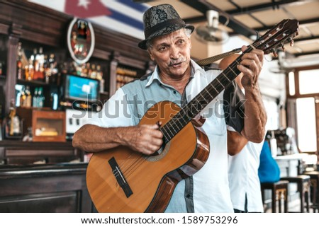 Cuban band performing live music in a bar (Dos Hermanos) in Havana, Cuba. Foto stock ©