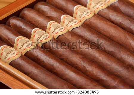 Cuban cigar, habanos. Very shallow depth of field.