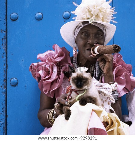Cuban cigar lady - taken in the streets of Havana