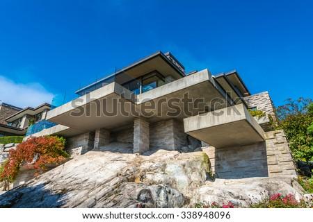 Free custom built luxury modern house on the cliff rock for Custom build a house online