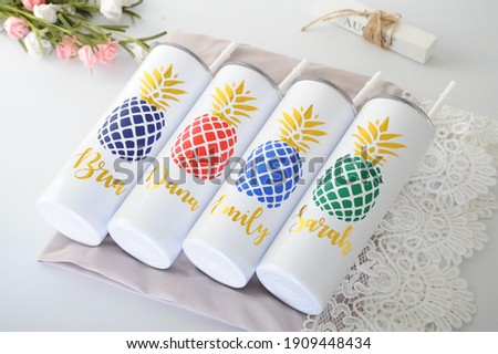 Custom Personalized Name Tumbler | Girl's Trip Tumbler | Stainless Steel Cup | Bridesmaid Gift Foto stock ©