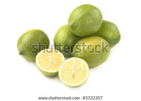 Cut the lemon in the lemon heap