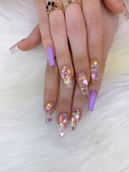 Cute acrylic nails with design, purple and clear color