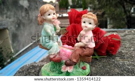Cute Lovers Showpiece #1359414122