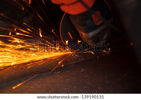 Cutting metal with many sharp sparks