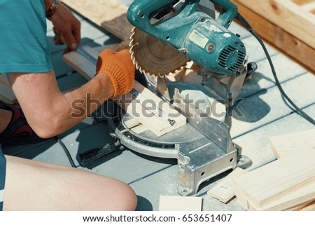Cutting Wooden Floor By Electric Saw In Work Place Ez Canvas