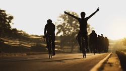 Cycling is training as a group, in the morning he pretends to finish line.