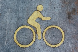 Cyclist symbol on the bike path
