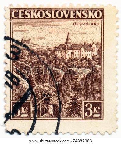 CZECHOSLOVAKIA - CIRCA 1936: A stamp printed in Czechoslovakia shows of Cesky Raj Castle, circa 1936