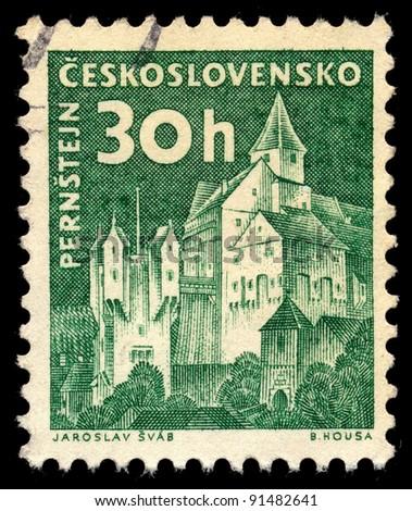 CZECHOSLOVAKIA - CIRCA 1960: A stamp printed in Czechoslovakia, shows Pernstein Castle, circa 1960