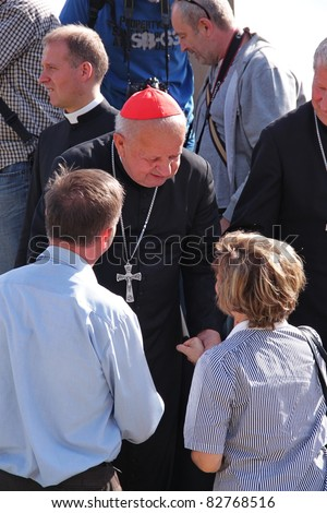 CZESTOCHOWA, POLAND - AUG 11 : Cardinal Stanislaw Dziwisz greets the pilgrims arriving in the Jasna Gora Sanctuary on august 11, 2011 in Czestochowa, Poland