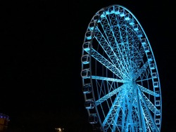 Düsseldorf ferris wheel in light blue