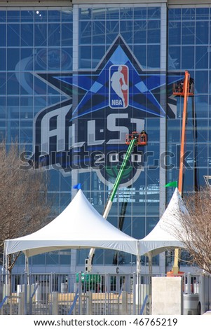 DALLAS - FEBRUARY 10: Cowboys Stadium crews prepare for record breaking attendance at the 2010 NBA All Star game February 14, 2010 in Dallas, Texas.
