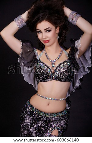 Arabic sexy dancing