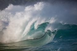 dangerous wave breaking at waimea bay