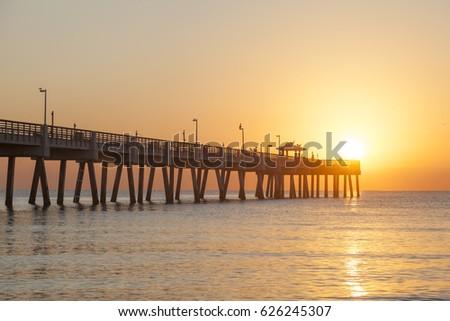 Dania beach fishing pier at sunrise. Hollywood beach, Florida, United States Zdjęcia stock ©