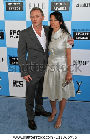 Daniel Craig and Satsuki Mitchell at the 2007 Film Independent's Spirit Awards. Santa Monica Pier, Santa Monica, CA. 02-24-07