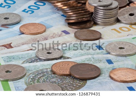 Danish bank notes and coins large DOF