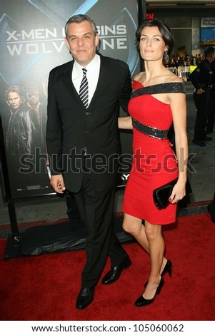 Danny Huston and Lyne Renee at the Industry Screening of \'X-Men Origins Wolverine\'. Grauman\'s Chinese Theater, Hollywood, CA. 04-28-09