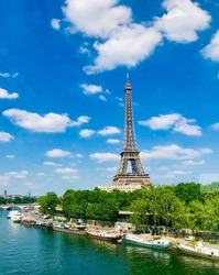 Day view of Eiffel Tower